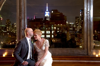 newlyweds with the Empire State Building viewable in the background